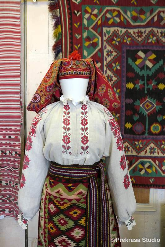 Традиційний жіночий одяг Українського Полісся. Онлайн школа української вишивки Prekrasa Studio