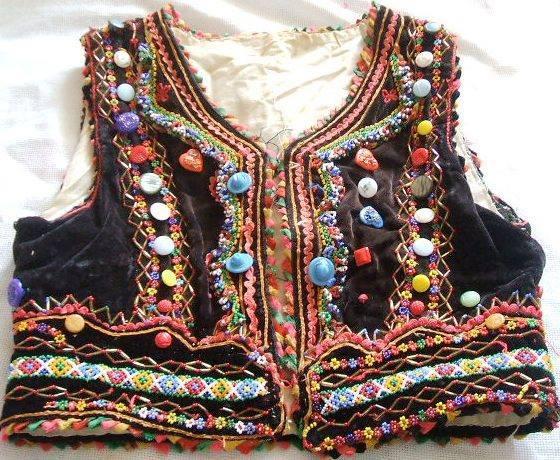 Закарпатський лайбик, безрукавка, традиційний жіночий одяг. Онлайн школа української вишивки Prekrasa Studio